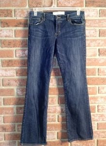 Abercrombie & Fitch the emma fit jeans.